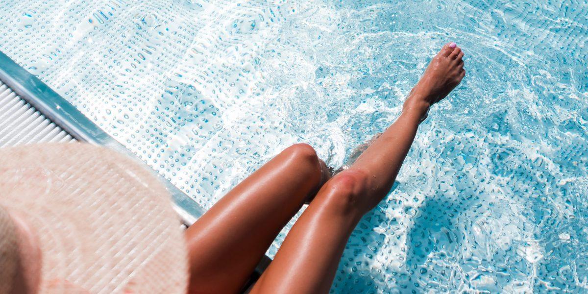 beauty-woman-in-luxury-pool-summer-free-photos-picjumbo-com